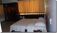 Colombo - Tropic Inn Rm 106 bed