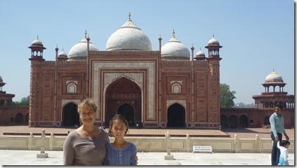 Taj Mahal Tour Mosque w JKL & Amy