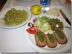 florence Ostella Hostel dinner (2)
